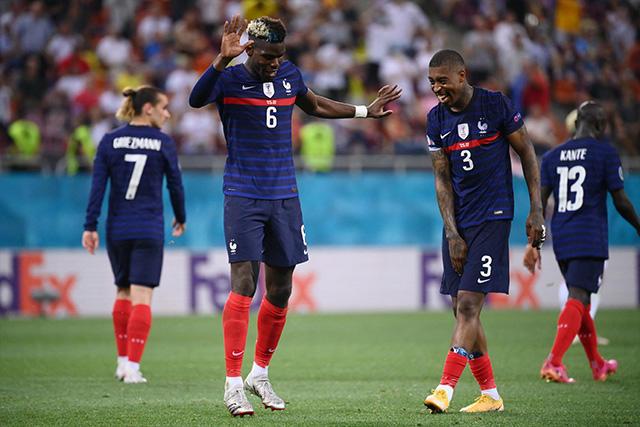 Pogba celebra su gol ante Suiza
