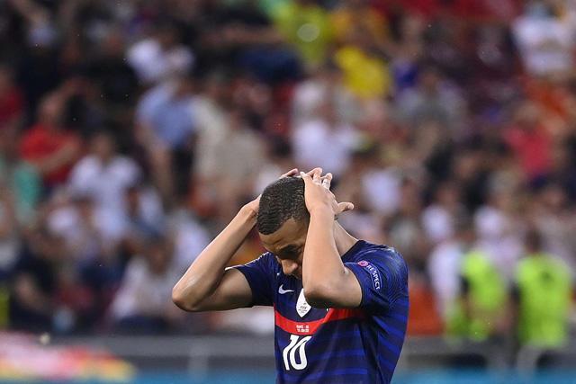 Kylian Mbappé tras fallar su penal ante Suiza