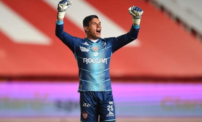 Los futbolistas mexicanos que podría llevar Nacho Ambriz al Huesca