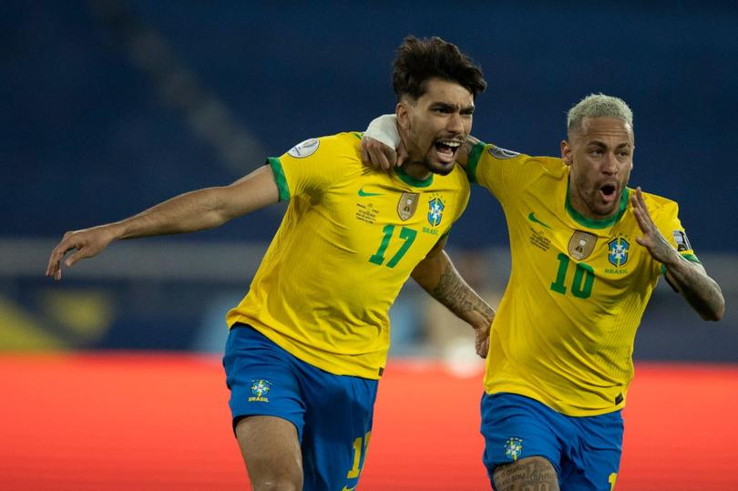 Con todo y un expulsado, Brasil eliminó a Chile de la Copa América