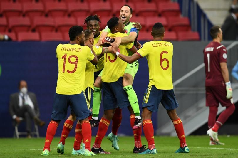 Colombia y Uruguay se fueron hasta penales y Ospina se puso la capa de héroe