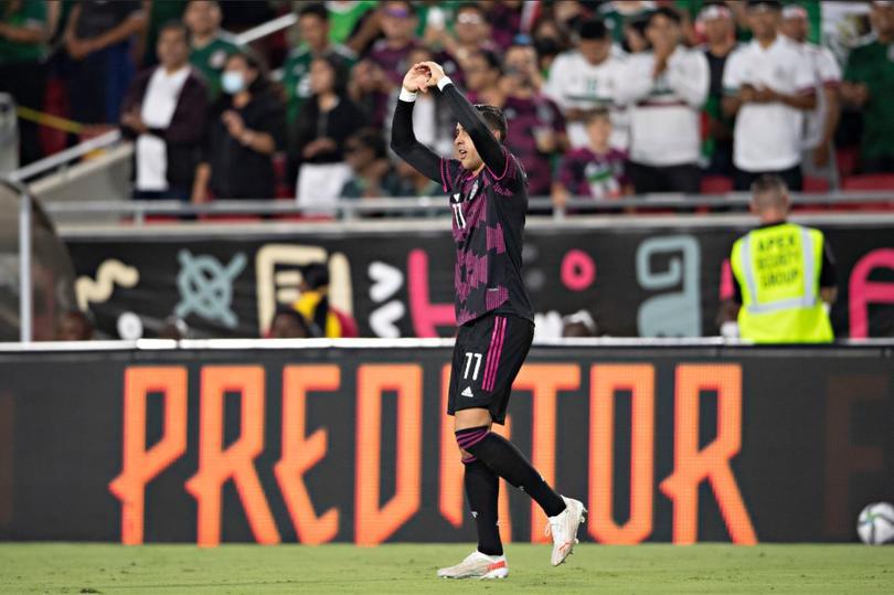 Funes Mori aprovechó un pase del Chucky para debutar con gol