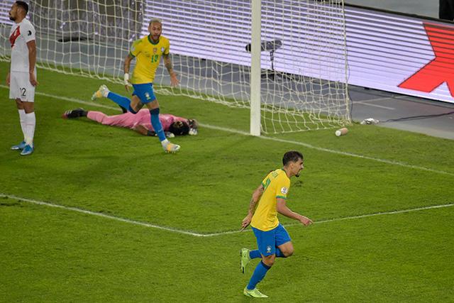 Brasil vence 1-0 a Perú y es el primer finalista de la Copa América