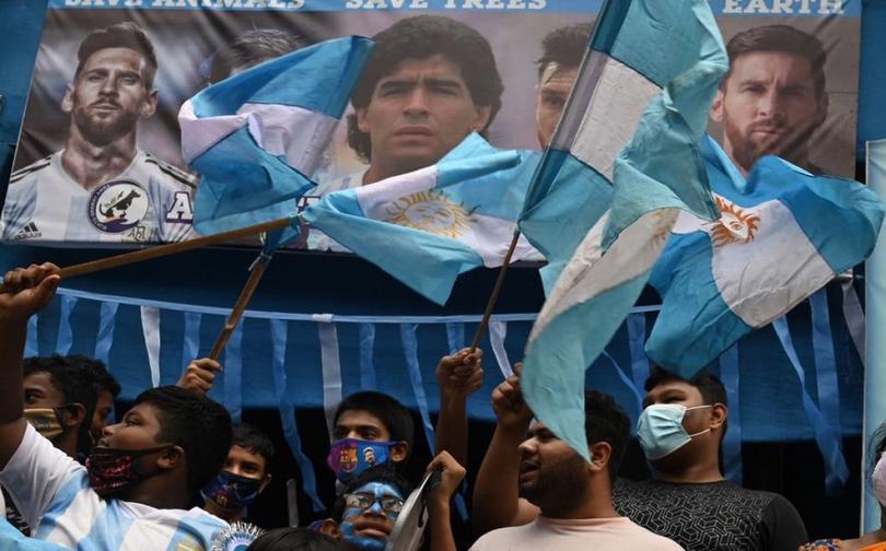 Maradona tendrá una copa en su honor que se jugará entre Argentina e Italia