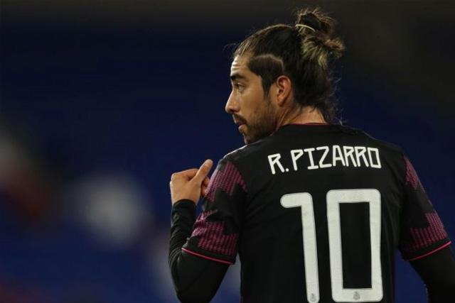 Rodo Pizarro se uniría al Tri en lugar del Chucky Lozano