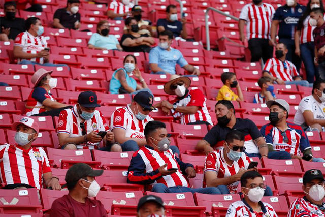 Aficionados en el Estadio Akron