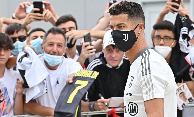 Cristiano Ronaldo ovacionado por los aficionados de Juventus