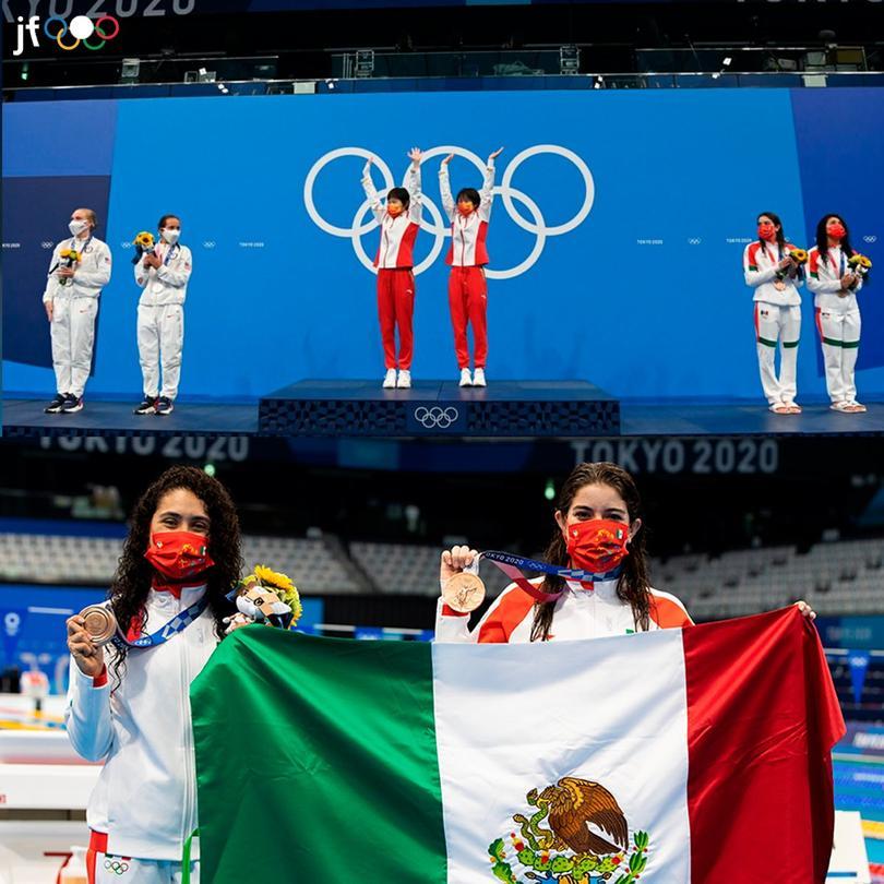 Alejandra Orozco y Gabriela Agúndez con su medalla olímpica