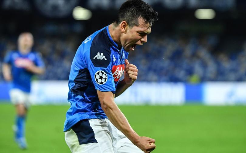 Lozano celebrando un gol con Napoli