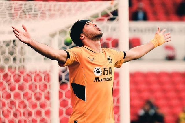 Raúl Jiménez marcó su segundo gol de la pretemporada