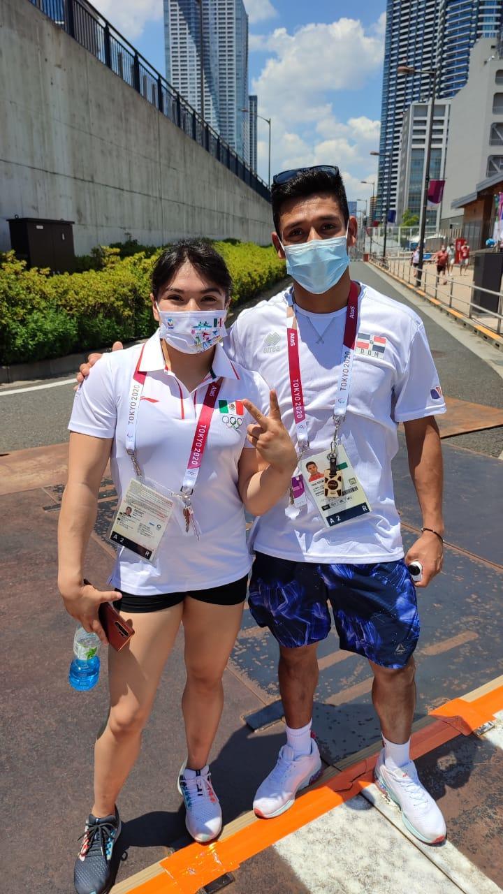 Jonathan Ruvalcaba con la gimnasta Alexa Moreno