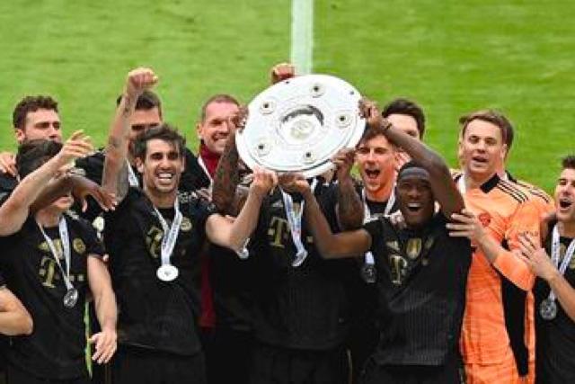La imagen que se ha vuelto costumbre en la última década con el Bayern levantando el título