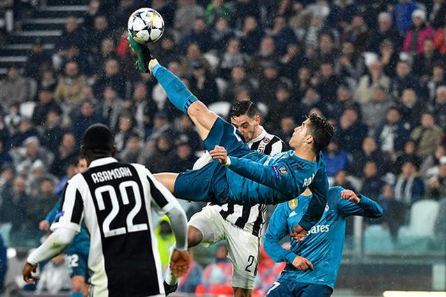 Cristiano Ronaldo remata de chilena ante la Juventus