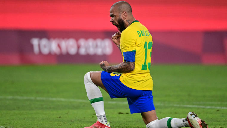 Dani Alves líder de la selección brasileña