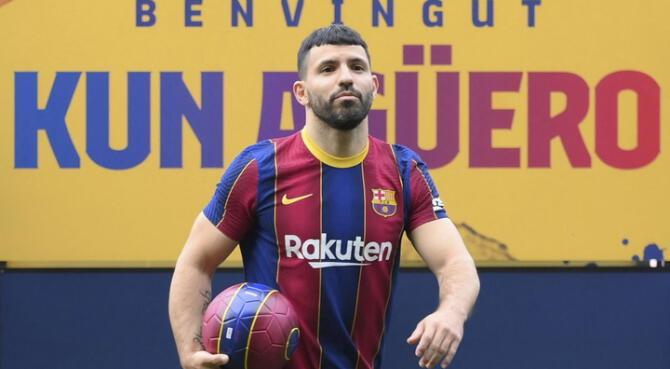 Kun Agüero en su presentación con Barcelona