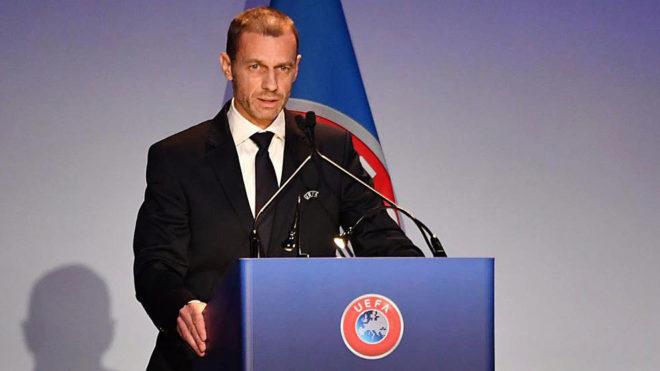 Aleksander Ceferin hablando en una conferencia de la UEFA