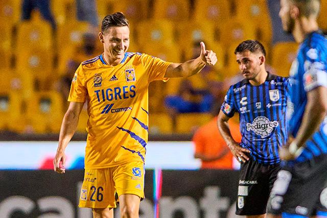 Florian Thauvin celebra su primer gol en la Liga MX