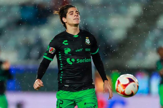 Detalles frenan el traspaso de Santi Muñoz al Newcastle