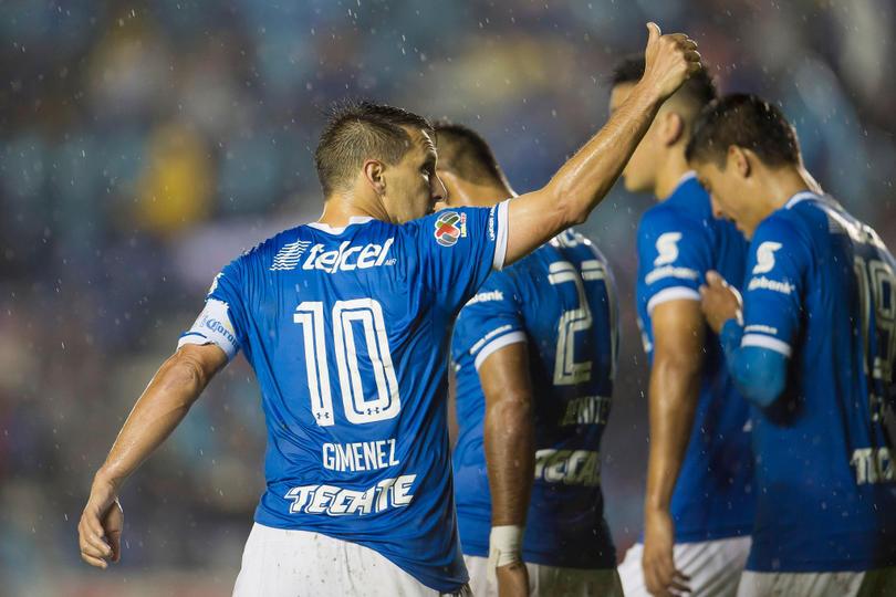 Rómulo Otero se une a la lista de cracks con la '10' en Cruz Azul