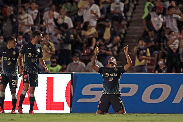 Roger Martínez celebra su gol ante Juárez para el empate momentáneo