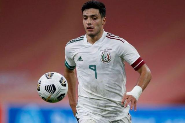Raúl Jiménez regresa al Tri para las eliminatorias