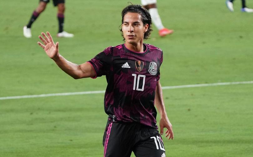 Lainez no dudó en poner a los mejores futbolistas en su 11 ideal
