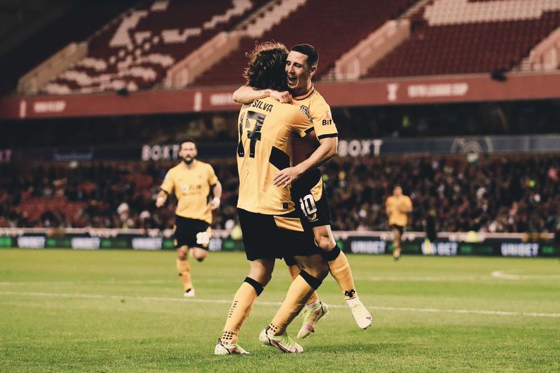 Sin Jiménez, Wolverhampton superó al Notthingham Forest