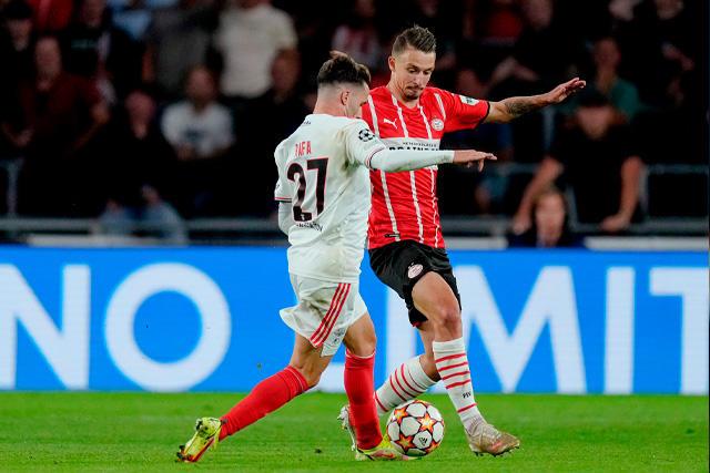 PSV empató a cero en la vuelta de los playoffs de Champions y quedó eliminado