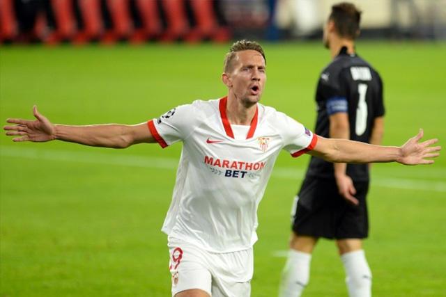 Luuk de Jong es nuevo delantero del Barcelona