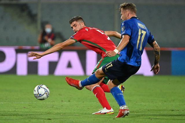 Italia debutó en las clasificatorias como campeón de la Euro con un empate