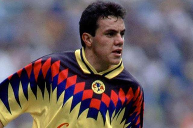 El primer gol de Cuauhtémoc con el América cumple 27 años