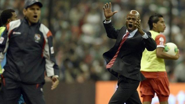 Dely Valdés director técnico de Panamá en las eliminatorias para Brasil 2014
