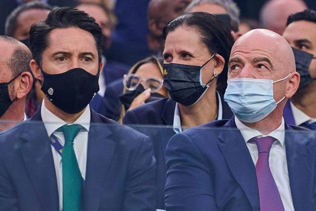 Yon de Luisa, presidente de la FMF, junto a Gianni Infantino, presidente de la FIFA