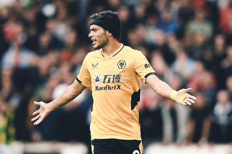 Raúl Jiménez pieza clave en Wolverhampton