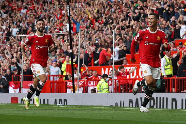 Cristiano Ronaldo celebra su primer gol en su regreso a Manchester United