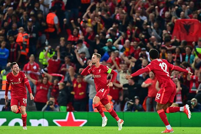 Liverpool venció al Milan gracias a un golazo de Henderson