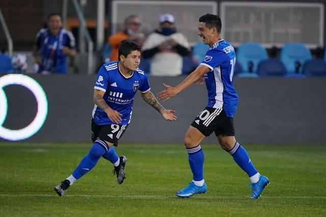 La Chofis López se aventó un hat-trick de golazos