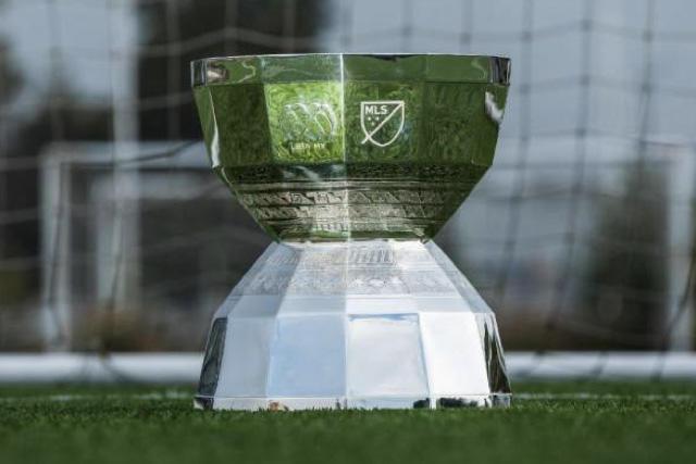 Trofeo de la Leagues Cup que a partir de 2023 pasará a ser el primer torneo binacional de futbol