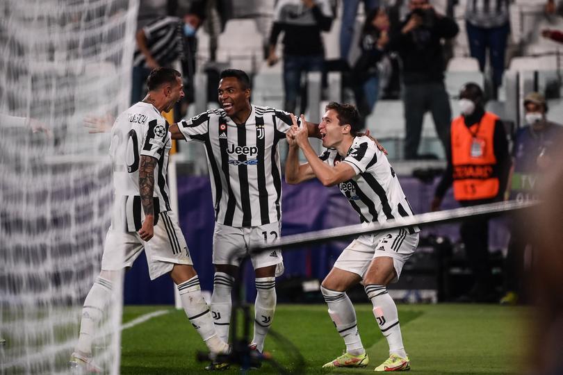 Juventus celebrando el gol de la victoria