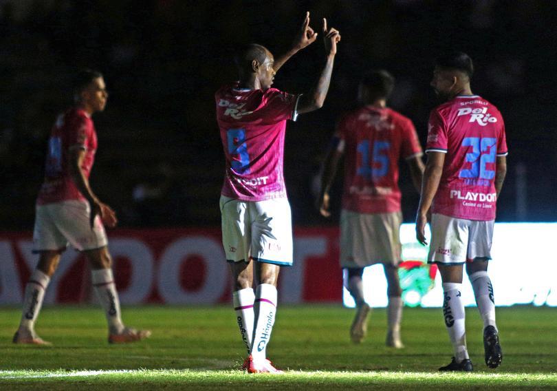 Juárez vence a Rayados