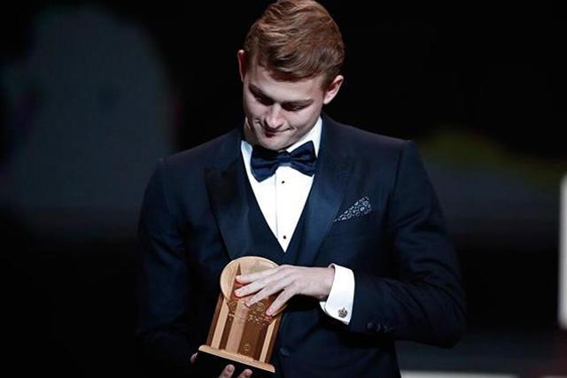Matthijs de Ligt, ganador del trofeo Kopa 2019