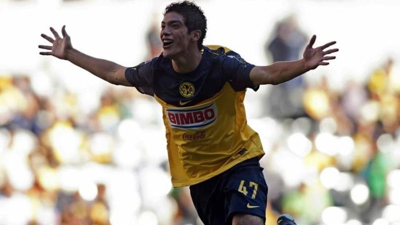 Raúl Jiménez a 10 años de debutar
