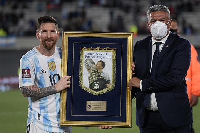 Lionel Messi se convirtió en el primer sudamericano en llegar a 80 goles internacionales