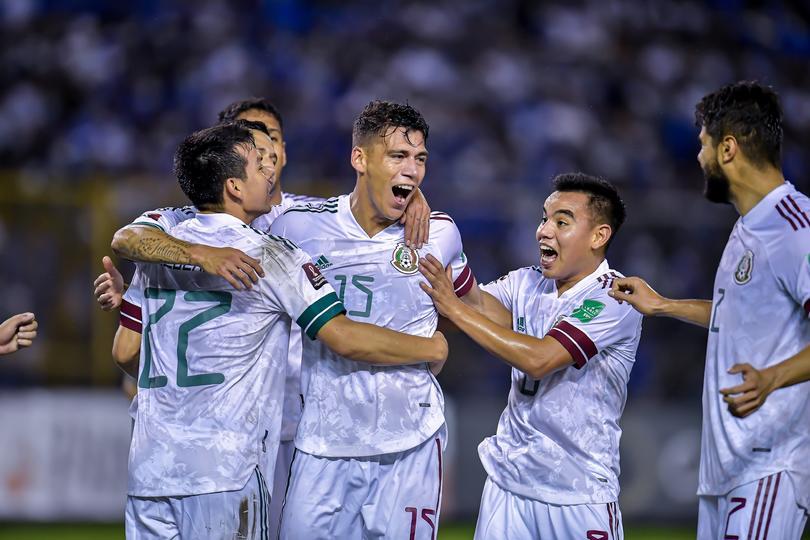 México derrota a El Salvador