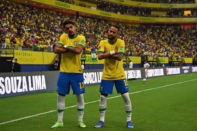 Brasil vence 3-1 a Uruguay y asegura repechaje para Qatar 2022