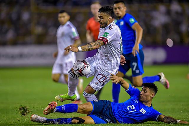 Alexis Vega es duda para enfrentar a Toluca por lesión