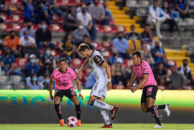Querétaro y Xolos empataron a un gol en el inicio de la Jornada 13