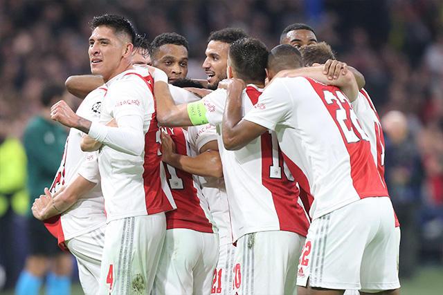 Ajax goleó 4-0 al Dortmund en Champions League