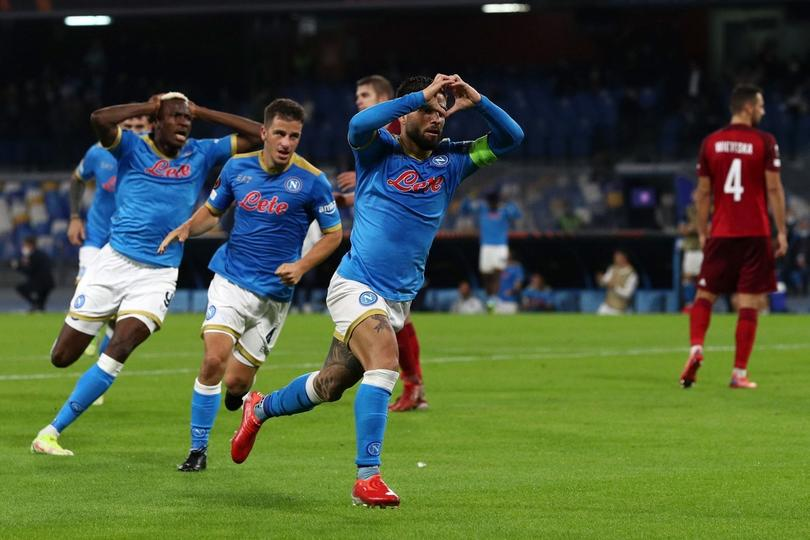 Napoli vence al Legia